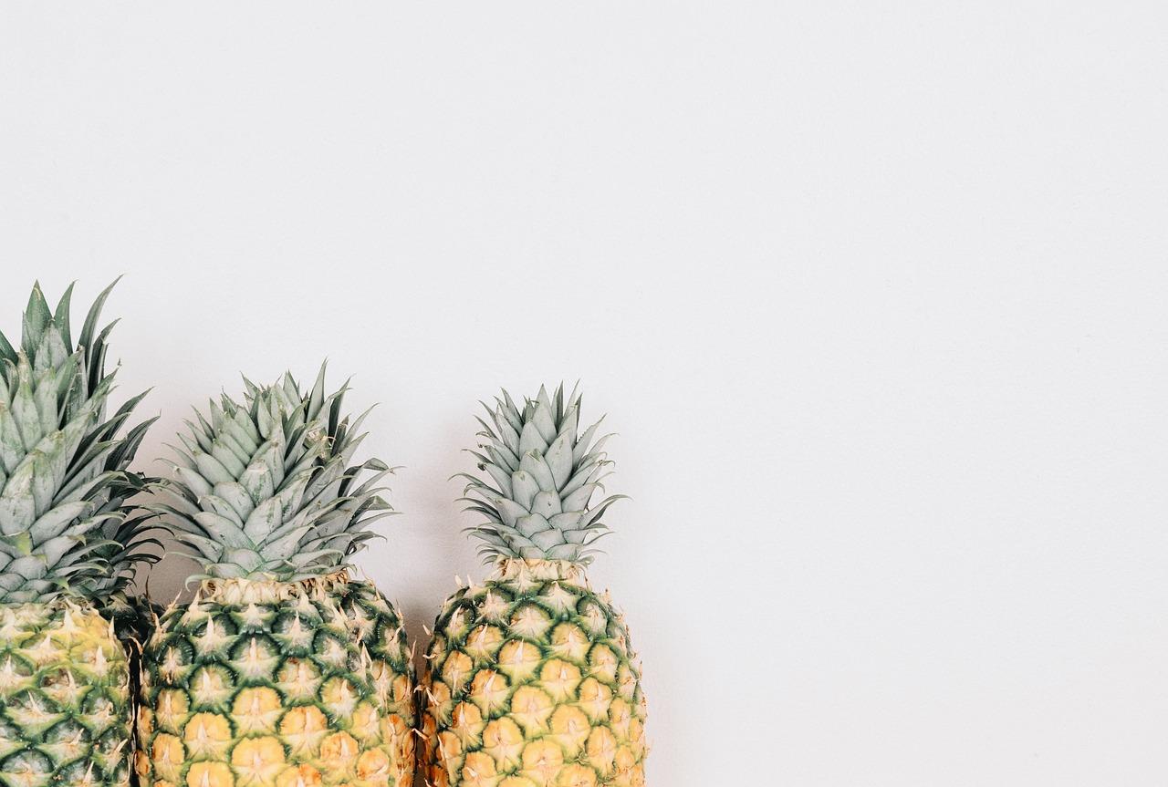 ananas, bomelina